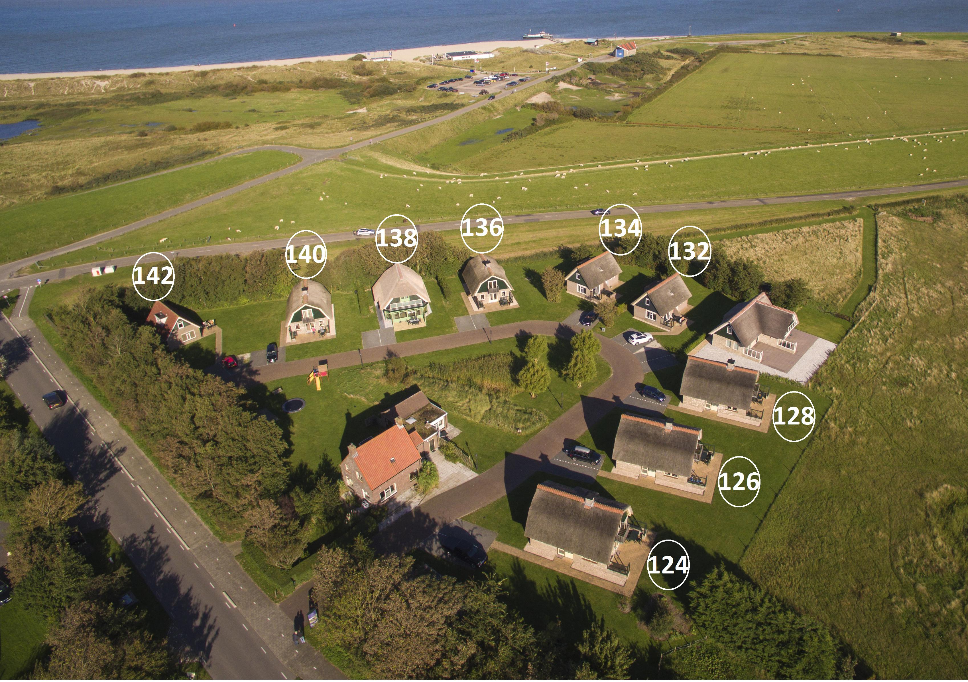 luchtfoto witte hoek september 2015 huisnummers.jpg